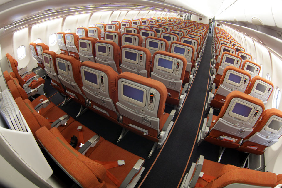 Системы видеонаблюдения могут появиться на новых самолетах только через три года