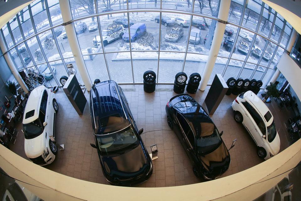 «Автоспеццентр» единственный из крупных автодилеров сумел сохранить выручку в 2015 г. на уровне предыдущего года