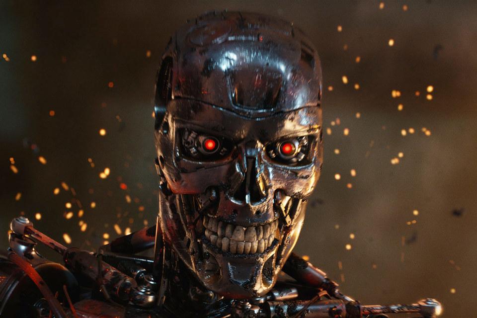 """Речь о том, что роботы начнут сражаться вместо людей, пока не идет, уверяют в Пентагоне (на фото: кадр из фильма """"Терминатор: Генезис"""")"""