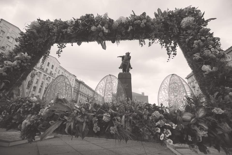 История кладбищенского убранства «Московской весны» – миниатюра всей отечественной экономики и реализации крупных проектов в условиях кризиса