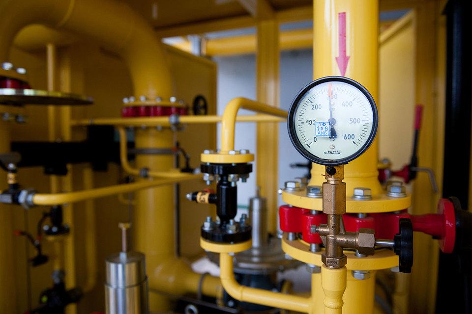 Ключевым фактором продолжающегося снижения контрактных цен на российский газ на европейском рынке Минэкономразвития называет падение нефтяных котировок в 2015 г.