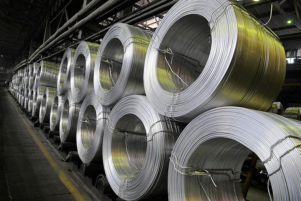 Производитель алюминия привлек $277,6 млн в Сбербанке и Газпромбанке, отодвинул погашение $700 млн по предэкспортному кредиту и полностью избавился от погашения долга в 2016 г.