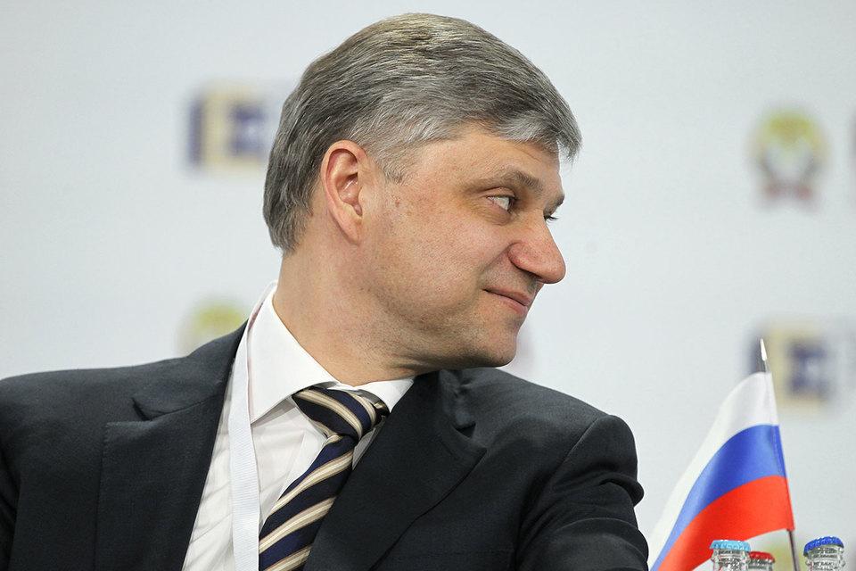 В Минтрансе Олег Белозеров зарабатывал значительно меньше