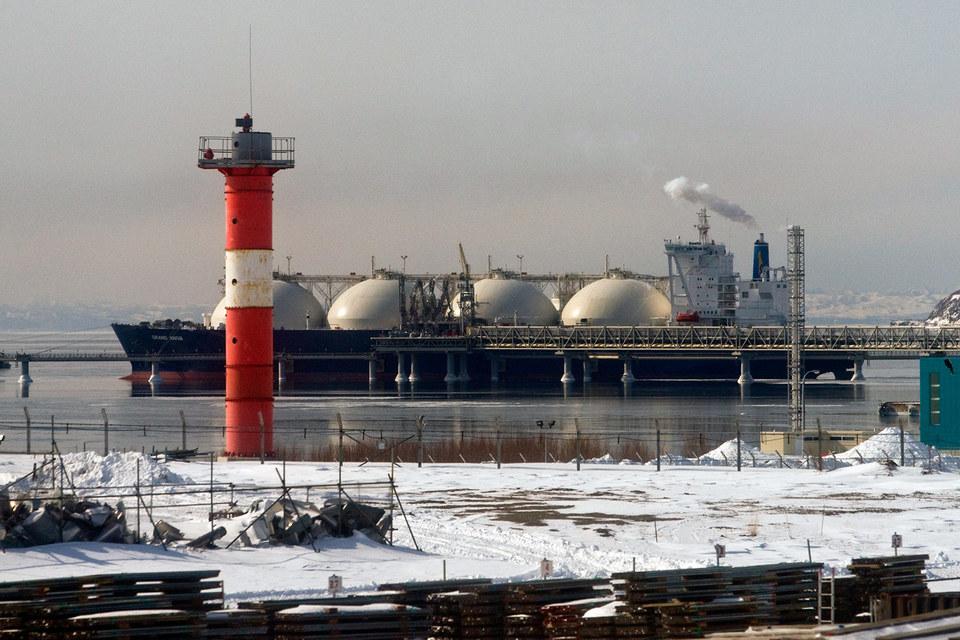 Япония боится потерять долю на рынке перевозок российских углеводородов