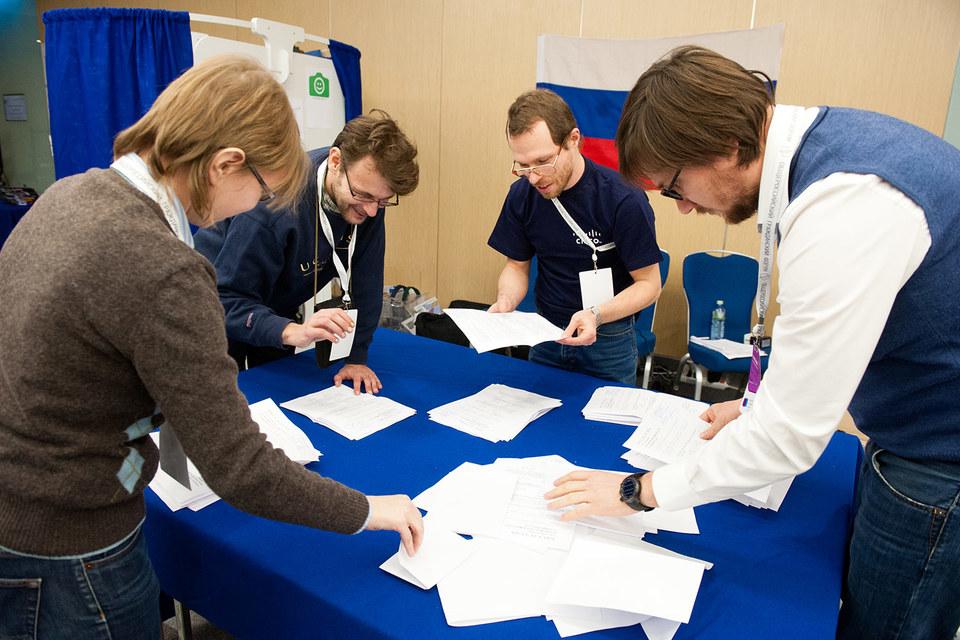 В декабре 2011 г. «Голос» оштрафовали на 30 000 руб. за нарушение правил предвыборной агитации в ходе кампании по выборам в Госдуму