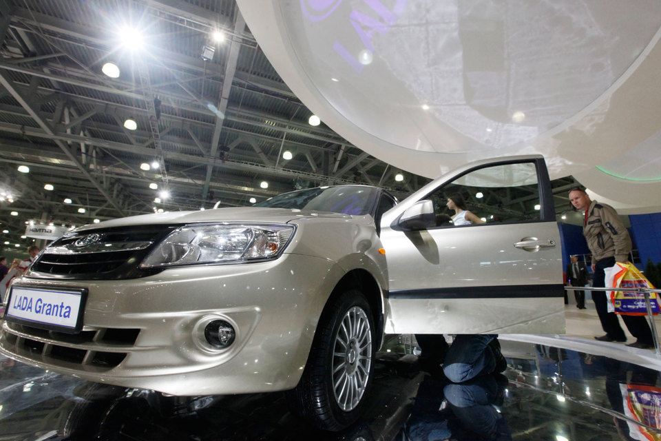 Lada Granta вернула лидерство на российском рынке