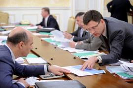 Министр энергетики Александр Новак (на фото справа) и министр финансов разошлись во взглядах о налоговом будущем нефтяников