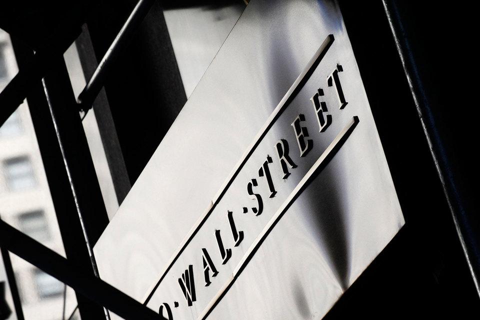 Банки Уолл-стрит потеряют $300 млн комиссионных из-за развалившихся сделок