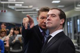Решение о дивидендах «Газпрома» будет приниматься на самом верху (слева – предправления компании  Алексей Миллер, справа – председатель правительства России Дмитрий Медведев)