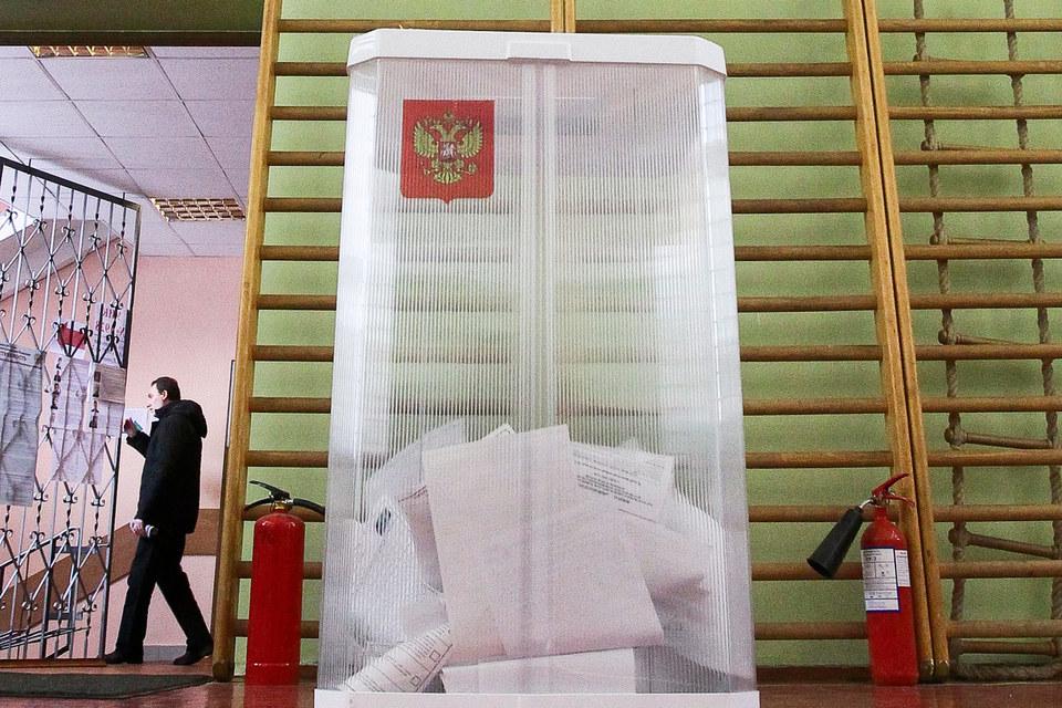 В течение четырех месяцев во многих школах пройдут сразу два голосования – внутрипартийное и общероссийское