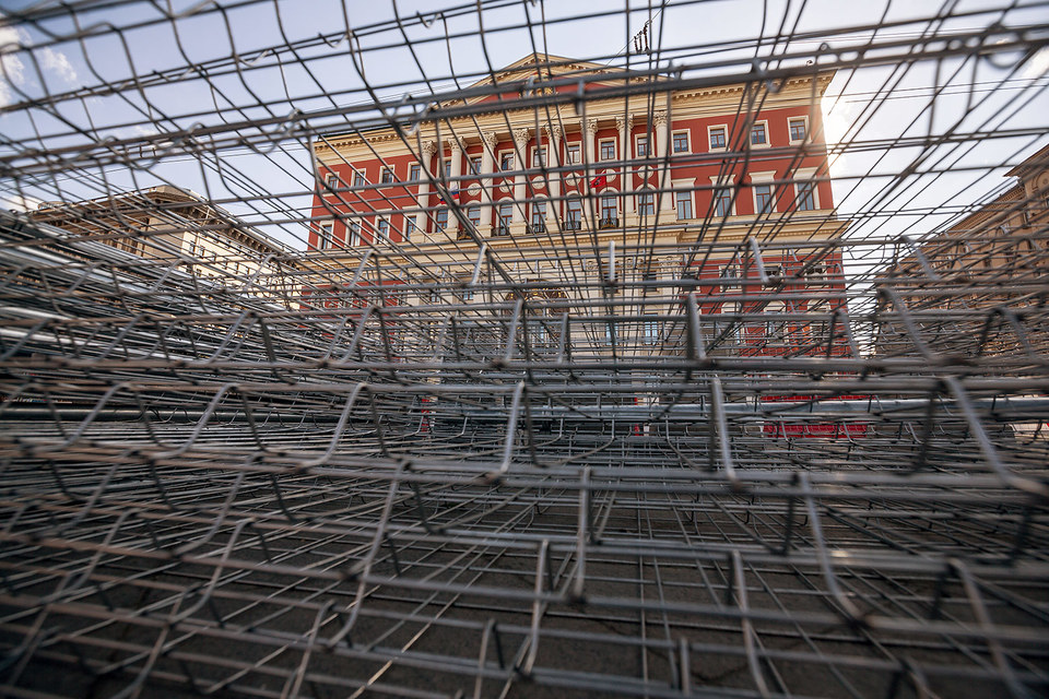 Из-за работ по благоустройству этим летом по Тверской будет непросто передвигаться и автомобилистам,  и пешеходам