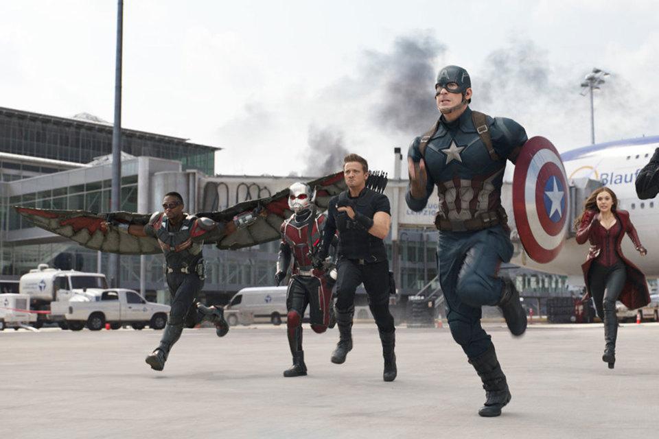 Капитан Америка и его друзья уверенно бегут к $1млрд