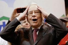 Баффетт верен себе и покупает акции, когда они дешевеют