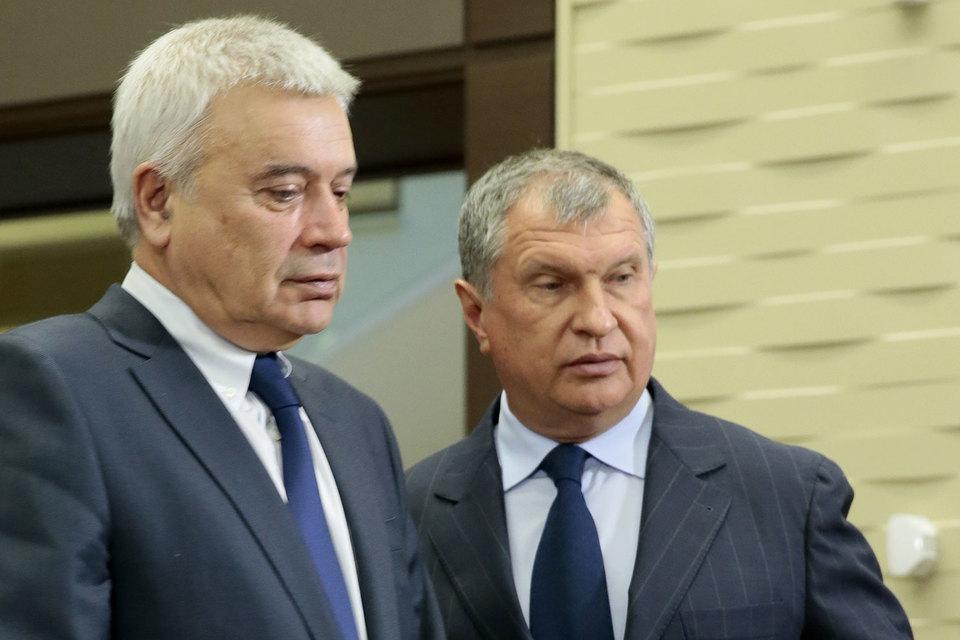 Компании президента «Лукойла» Вагита Алекперова (на фото слева) и президента «Роснефти» Игоря Сечина (справа) поборются за недра