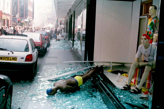 В 1996 г. Ирландская республиканская армия (ИРА) организовала взрыв автомобиля рядом с торговым центром в Манчестере. Страховые компании возместили потерпевшим $995 млн убытков