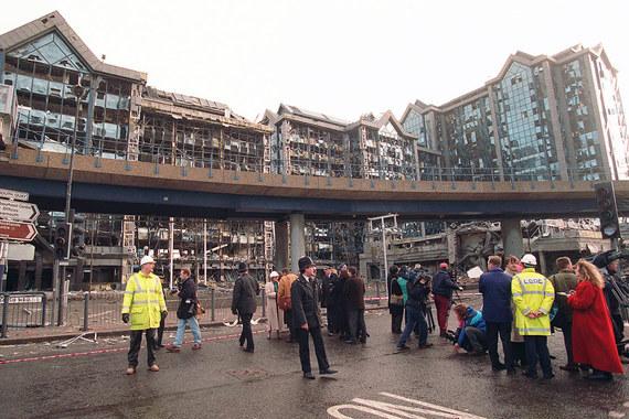 $347 млн выплатили страховые компании для возмещения убытков от взрыва в лондонском районе Доклендс, прогремевшего в феврале 1996 г. Тогда погибли 2 человека, 40 были ранены