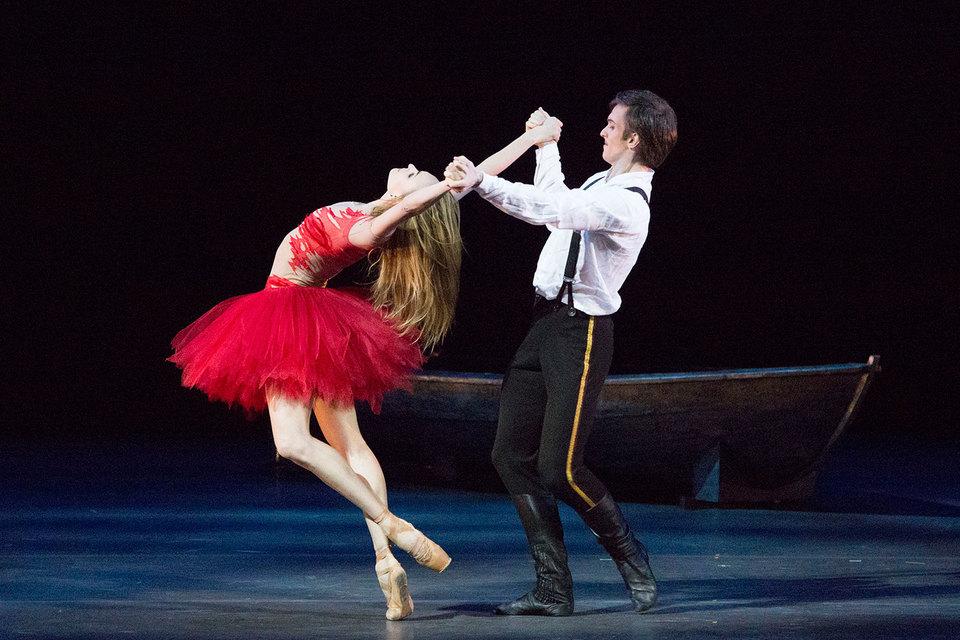 Фрагмент из награжденного призом балета «Герой нашего времени» исполнили Ольга Марченкова и Артемий Беляков