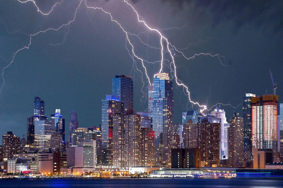 Cлабость результатов объясняется неудачным временем, плохой погодой или терроризмом, — топ-менеджеры изобретают массу подобных отговорок
