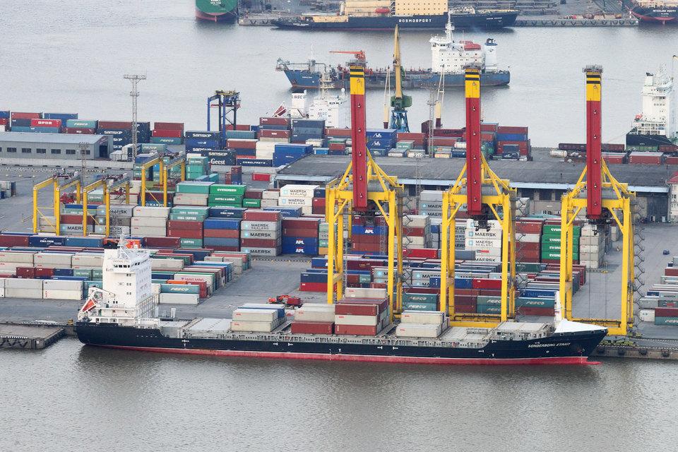 Грузооборот портов Петербурга и Ленинградской области вырос в апреле на 7%
