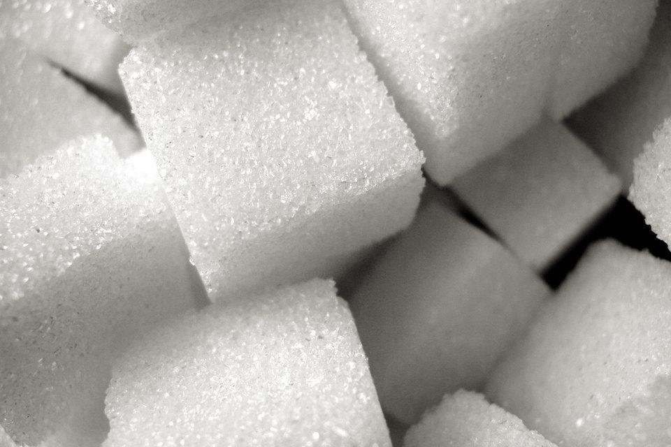 Американский регулятор решился на кардинальные меры и обязал производителей писать на упаковке, сколько сахара они добавили в продукт