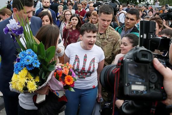 Осужденная в России летчица и депутат Верховной рады Надежда Савченко прилетела в Киев