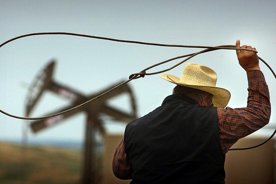 При ценах в $50 за баррель прибыльными могут оказаться проекты некоторых производителей сланцевой нефти в США