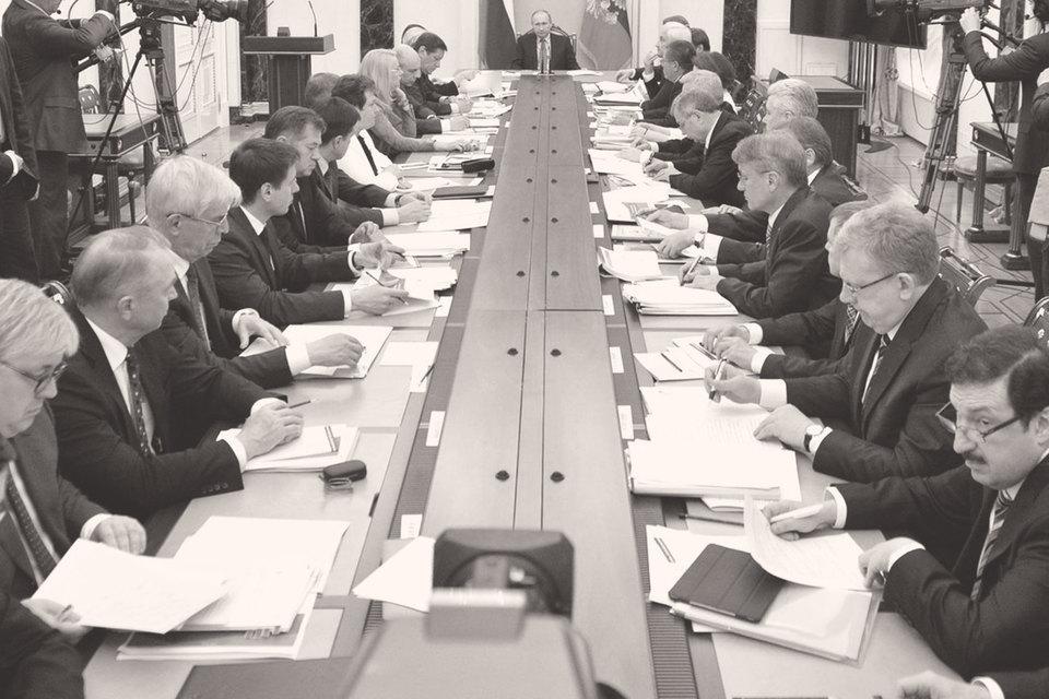 Институциональные реформы требуют исполнительской дисциплины внизу и предельной политической мобилизации наверху