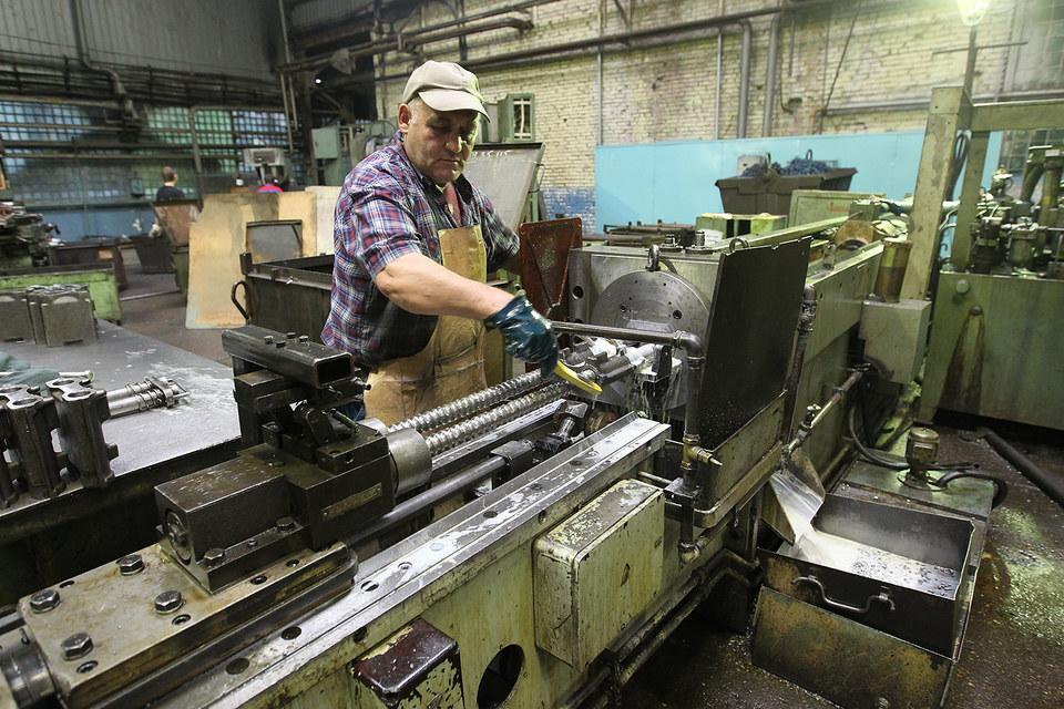 Перед промышленностью стоит задача обслуживания зоопарка станков, купленных без единой технической политики