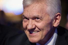 Сначала Торнквист выплатил Тимченко небольшую сумму, а затем использовал спецдивиденды для завершения расчетов