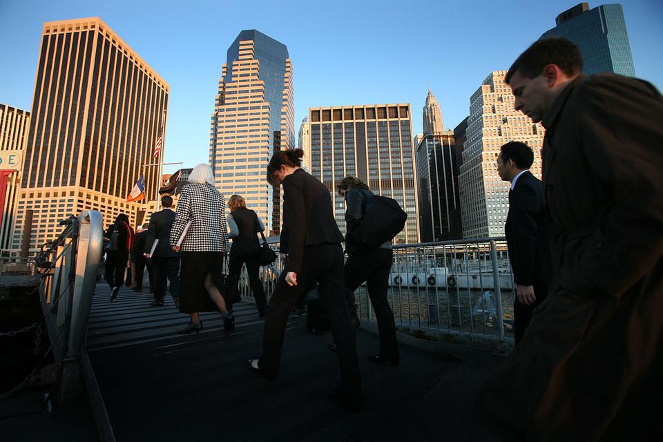 Банкирам непросто привыкнуть, что регуляторы постоянно находятся на их территории