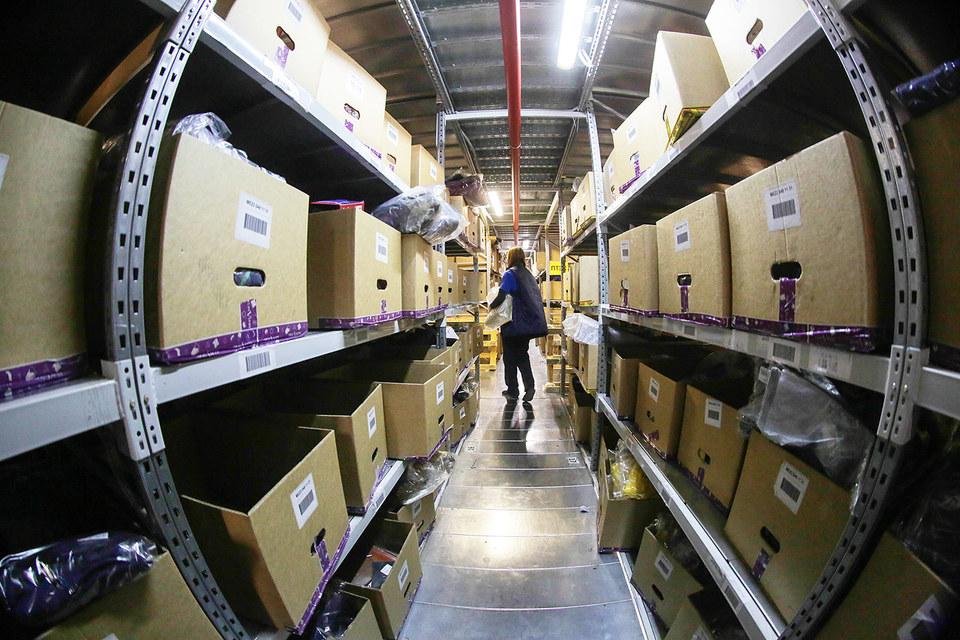 Онлайн-торговля торопится доставить