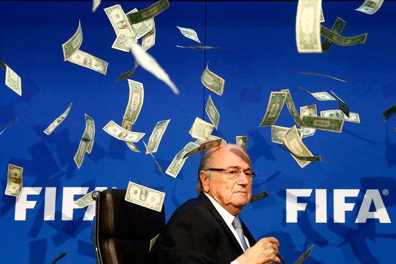 Бывшие руководители FIFA сами себе выдали бонусы на $80 млн