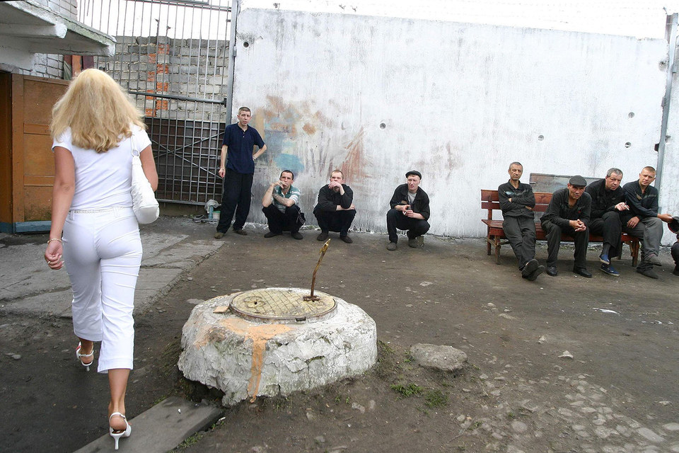 Минюст согласился на предоставление длительных свиданий осужденным к лишению свободы строгого режима