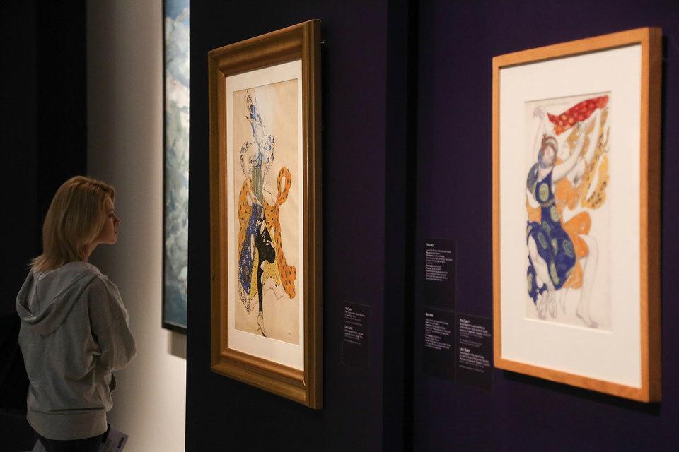 Эскизы к театральным костюмам – самая ценная часть выставки Льва Бакста