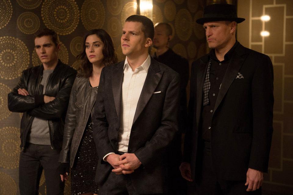 Все четыре фокусника (слева направо): Дейв Франко, Лиззи Каплан, Джесси Айзенберг и Вуди Харрельсон