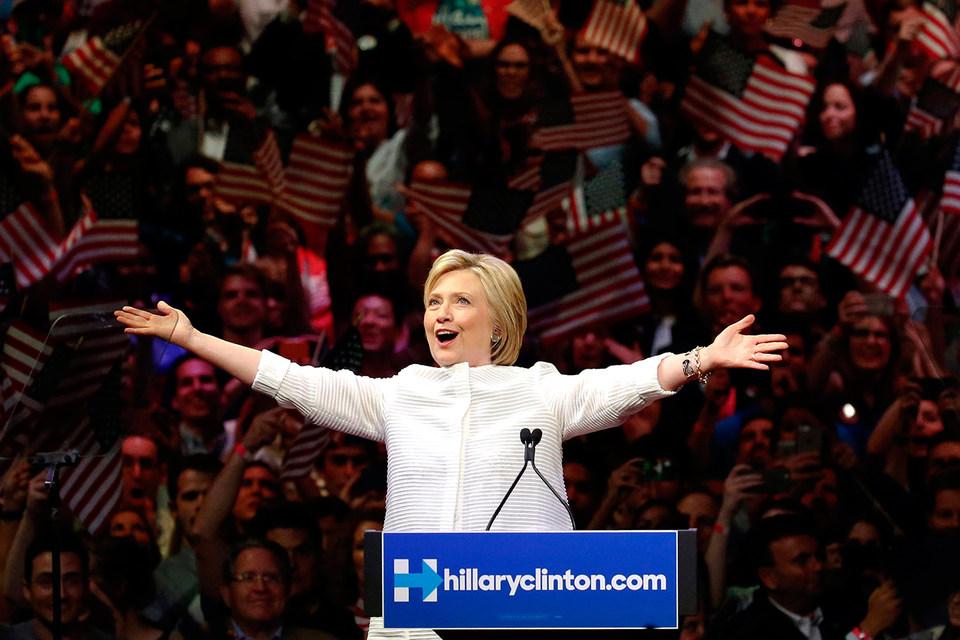 Хиллари Клинтон обеспечила себе выдвижение кандидатом в президенты от демократов