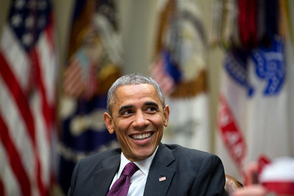 Президент Барак Обама пытается преодолеть раскол в демократической партии, мешающий ее кампании