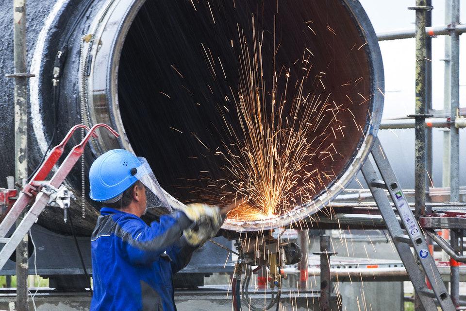 Газопровод «Северный поток – 2» мощностью 55 млрд куб. м газа в год по проекту пройдет из России в Германию по дну Балтийского моря