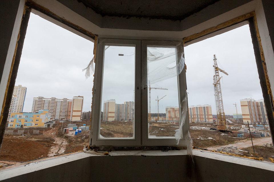 Затраты на завершение объектов компания оценивала в 39 млрд руб. Деньги на это планировалось получить за счет продажи свободных квартир и активов компании