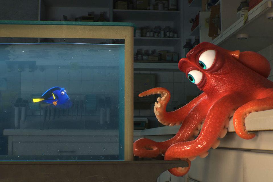 Рыбка Дори дружит с осьминогом Хэнком, который мечтает о свободе