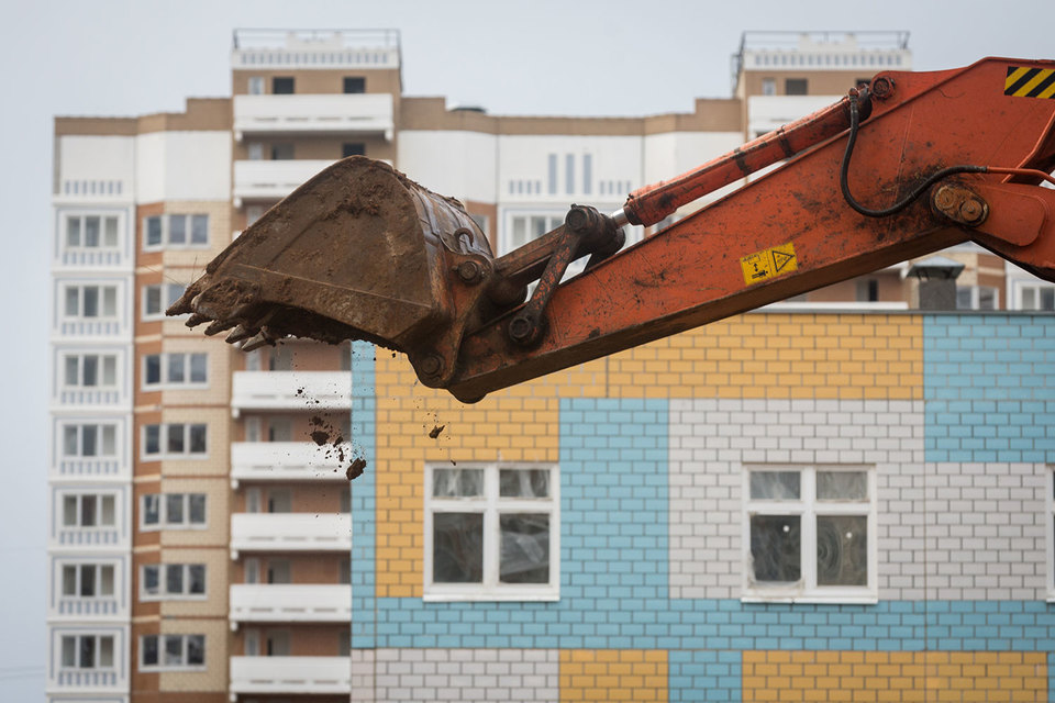 Управделами президента построит в Москве восемь жилых домов для федеральных чиновников: готового жилья для очередников не хватает