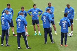 Тренировка сборной России по футболу в Круасси-сюр-Сене