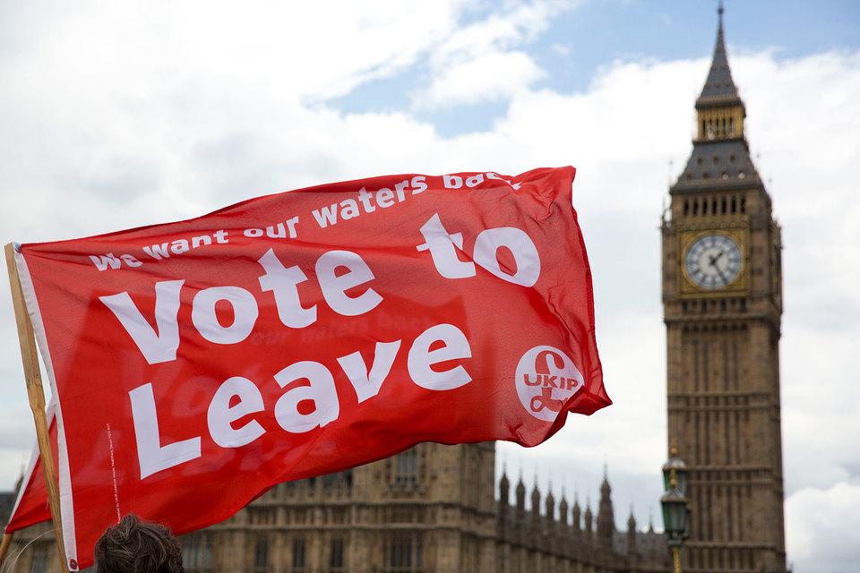 Рост числа сторонников выхода Великобритании из ЕС беспокоит и инвесторов, и руководителей центробанков