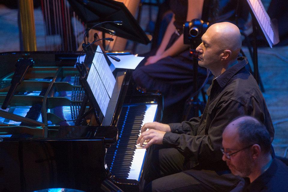 В Доме музыки прошла московская премьера нового сочинения Антона Батагова «Тот, кто ушел туда»