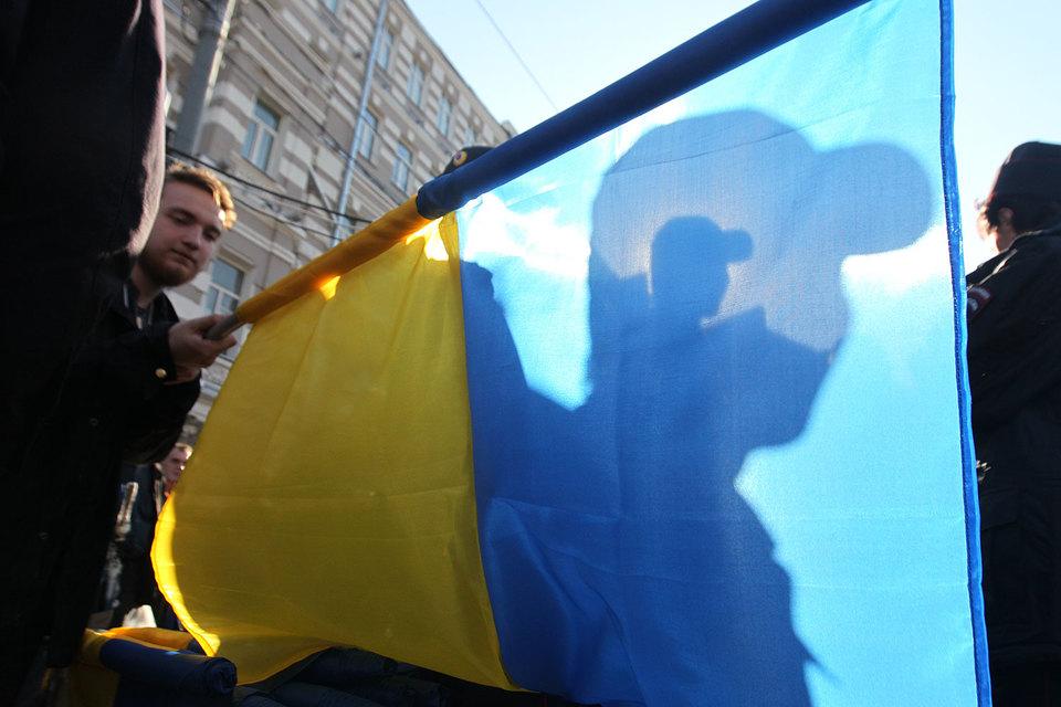 Если 22–25 мая 26% респондентов относились к Украине хорошо, а 63% – плохо, то по замерам 27–30 мая это соотношение изменилось на 39% к 47%