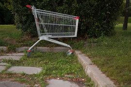 К скромному потреблению должны привыкнуть не только люди,  но и розница