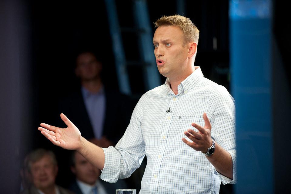 Навальный направил письма президенту Владимиру Путину, премьеру Дмитрию Медведеву и председателю Центризбиркома Элле Памфиловой
