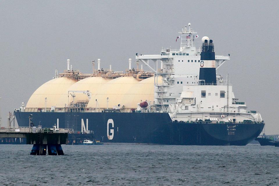Япония пересматривает условия закупки сжиженного природного газа, что должно снизить цену на него и позволить стране стать центром по торговле СПГ
