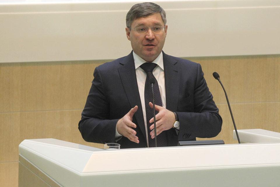 Заметных изменений в рейтинге не произошло: его по-прежнему возглавляют Владимир Якушев (на фото)