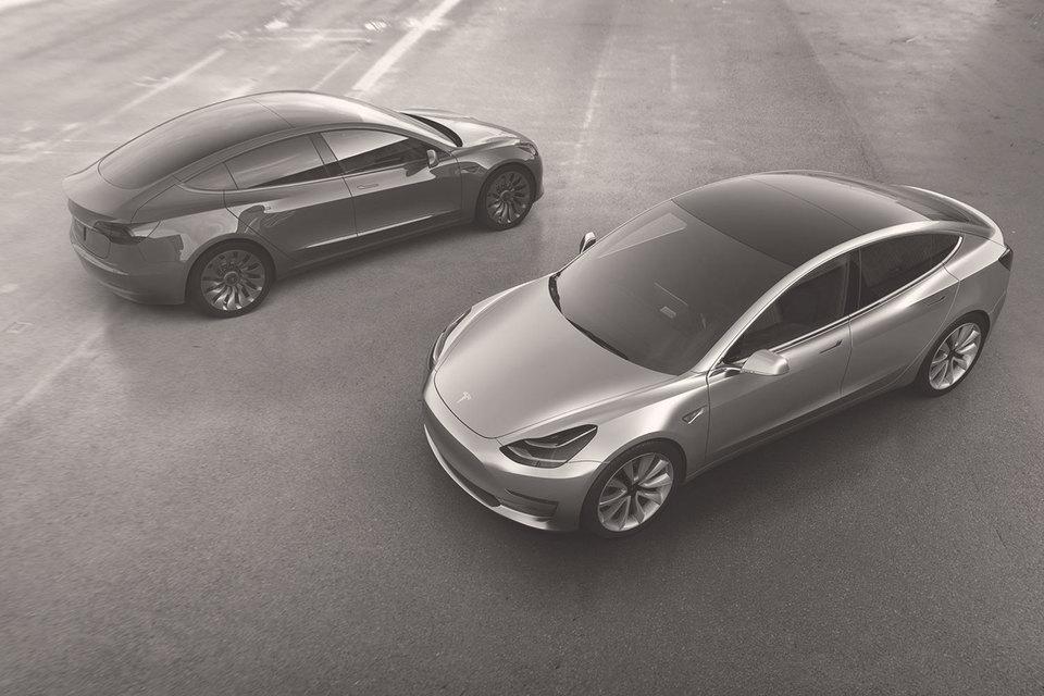Новый седан Tesla Model3 собрал за первую неделю предварительных продаж заказов на $14 млрд. Больше не собирал запуск ни одного продукта ни в одной индустрии